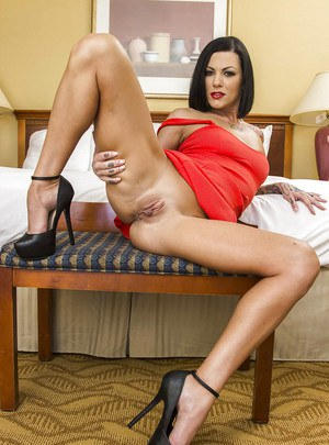Milf wife with brunette hair Jezebelle Bond shows off in high heels