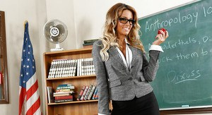 Big tits milf pornstar Jessica Drake demonstrates her tight ass in school