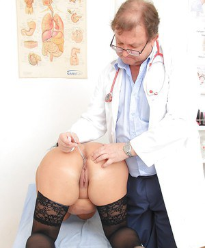 Close up check at the doctor features mature fatty Robi Slava