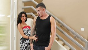Hardcore ass fuck features milf lady in stockings Lezley Zen