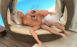 Outdoor pussy lick of a marvelous granny Anett by her lover