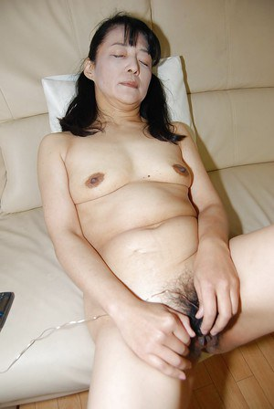 Close up masturbation from a brunette Asian mature Kiyoe Majima