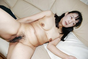 Close up masturbating scene features mature Asian Kiyoe Majima