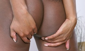 Teen babe reveals her Ebony amateur ass in high heels feat. Karis