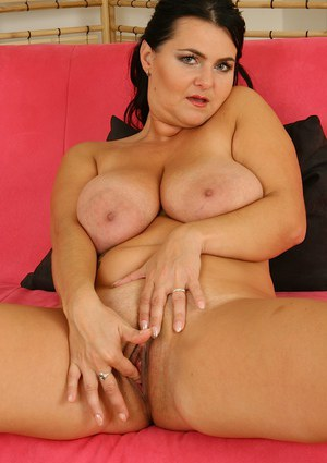 Fatty milf Reny reveals her big tits while having her lingerie on