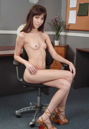 Beautiful and slender Hannah demonstrates her skinny pussy