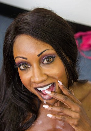 Diamond is ready to eat a hardcore white cock with her mouth
