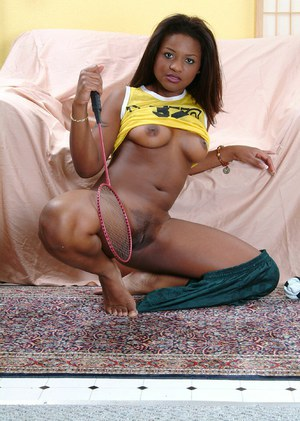 Ebony teen with big tits Katana shows her ass in an amateur posing scene