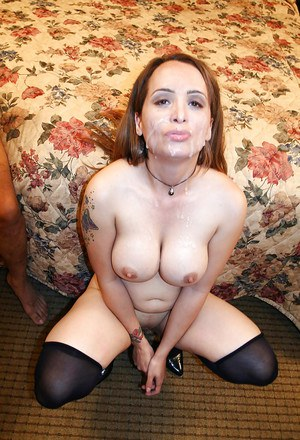 Threesome sex with a big tits milf Sophia Mounds doing blowjob