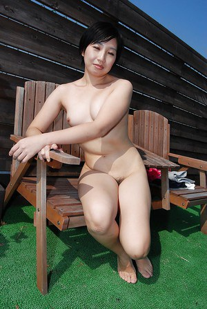 Outdoor gonzo sex scene with a brunette Asian Kanako Kimura