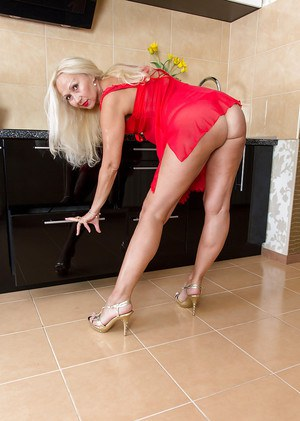 Close up undressing session from a mature lady Callidica in high heels