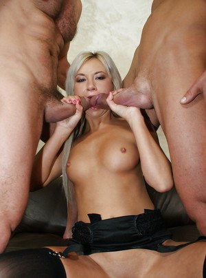 Milf cowgirl Lyanna enjoys anal double penetration in a threesome groupsex