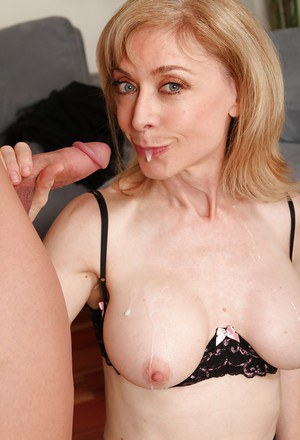 Big tits mature mom Nina Hartley enjoys fresh cumshot after hardcore fuck