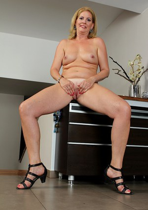 Close up anal gape action features mature babe Laura Oswald