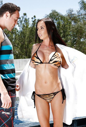 Outdoor sex at the pool features brunette chick Brandy Aniston