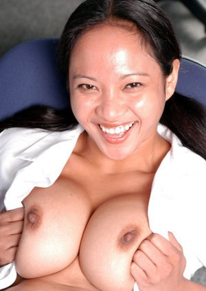 Smiling Asian model Loni is masturbating her cute vagina so hot