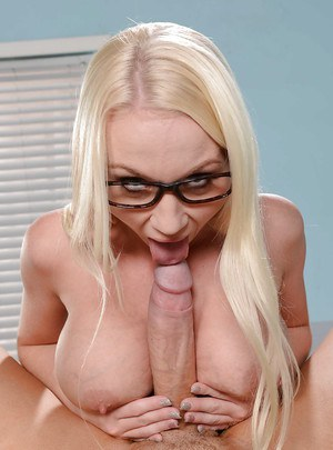 Sweetie blonde Madison Scott is playing with that nice hard dong