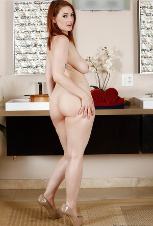 She leggy redhead massage but Vintage