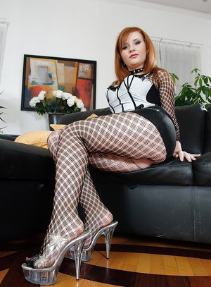 Redhead fetish chick Jess pose in her panties so freaking nasty