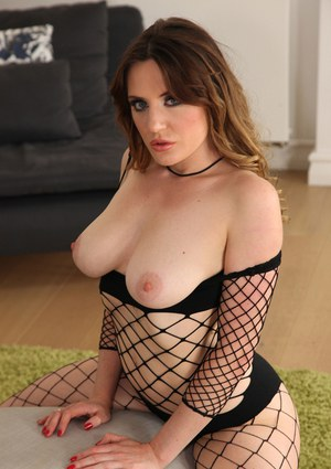 Busty brunette with saggy boobies Samantha Bentley is posing naked