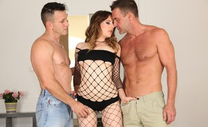 Perverted beauty with pretty face Samantha Bentley was drilled hard