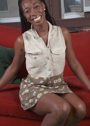 Amateur ebony Neferitti is sucking her fingers and nipples on cam