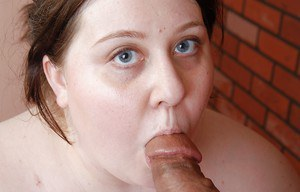 Fatty mature Jellibean is getting pleasure from cum over her puss