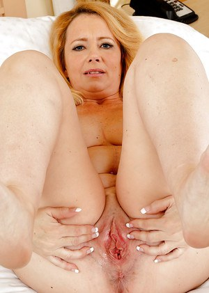 Anal games with an awesome mature blonde Brandie that has big ass