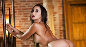 Stunning Asian model Katsuni shows us her amazing tanned body