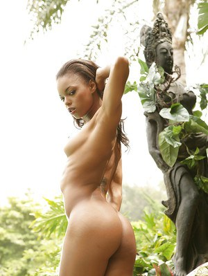 Milf Marie Luv shows us her stunning small-tit body outdoors!