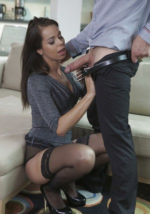 Hardcore brunette Ferrera Gomez is sucking this nice small dick