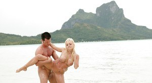 Jesse Jane was fucked in her tight pussy right in the water!