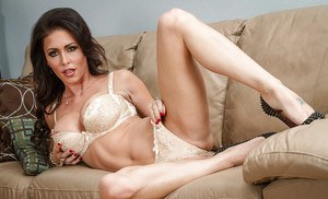 Brunette babe Jessica Jaymes is posing in her stunning lingerie