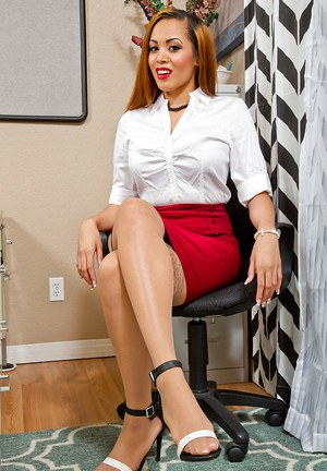 Office secretary Serena Ali is playing with her amazing naked body