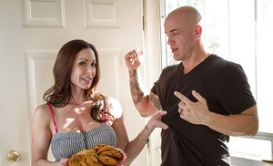 Tattooed milf Kendra Lust is fucking with this muscular man on cam