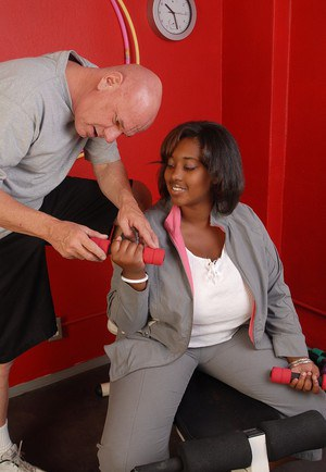 Fatty ebony Elite was fucked by white dick and filled with sperm