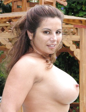 Babe Latina Friday is showing off her stunning big tits on camera