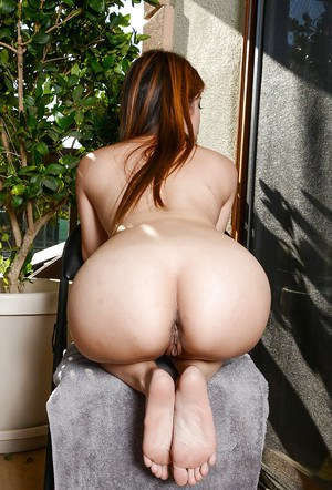 Amateur Japanese Asia Zo is spreading her long legs and masturbating