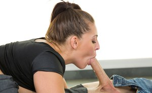 Cock-sucking brunette Gracie Glam swallows his white nectar!