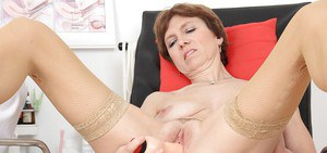 Sweet Oslava is exploring her pussy by using such tools in close-up