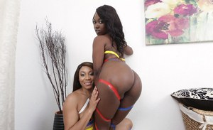 Ebonies Jayla Foxx and Skyler Nicole are showing their asses