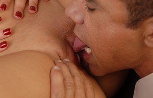 Fatty Latina Mimi Meet is getting pleasure from playing with dildos