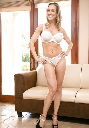 Beautiful blonde Brandi Love shows her awesome big natural boobs
