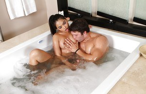 Dick-sucking hardcore Asian Cindy Starfall fucks right in the bathroom