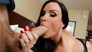 Slender brunette Diamond Foxxx is swallowing this pretty big pole