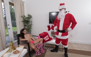 Teen Latina Rachel Rose sucks this Christmas dick just for gift