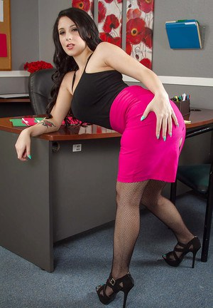Office babe Noelle Easton demonstrates her stunning big natural boobs