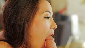 Asian girlfriend Morgan Lee is sucking this juicy hard wiener