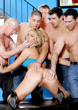 Gangbang with perverted cum-swallowing milf blonde Sara Sloane