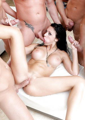 Pornstar milf Aletta Ocean gets fucked deep in her tight anal hole